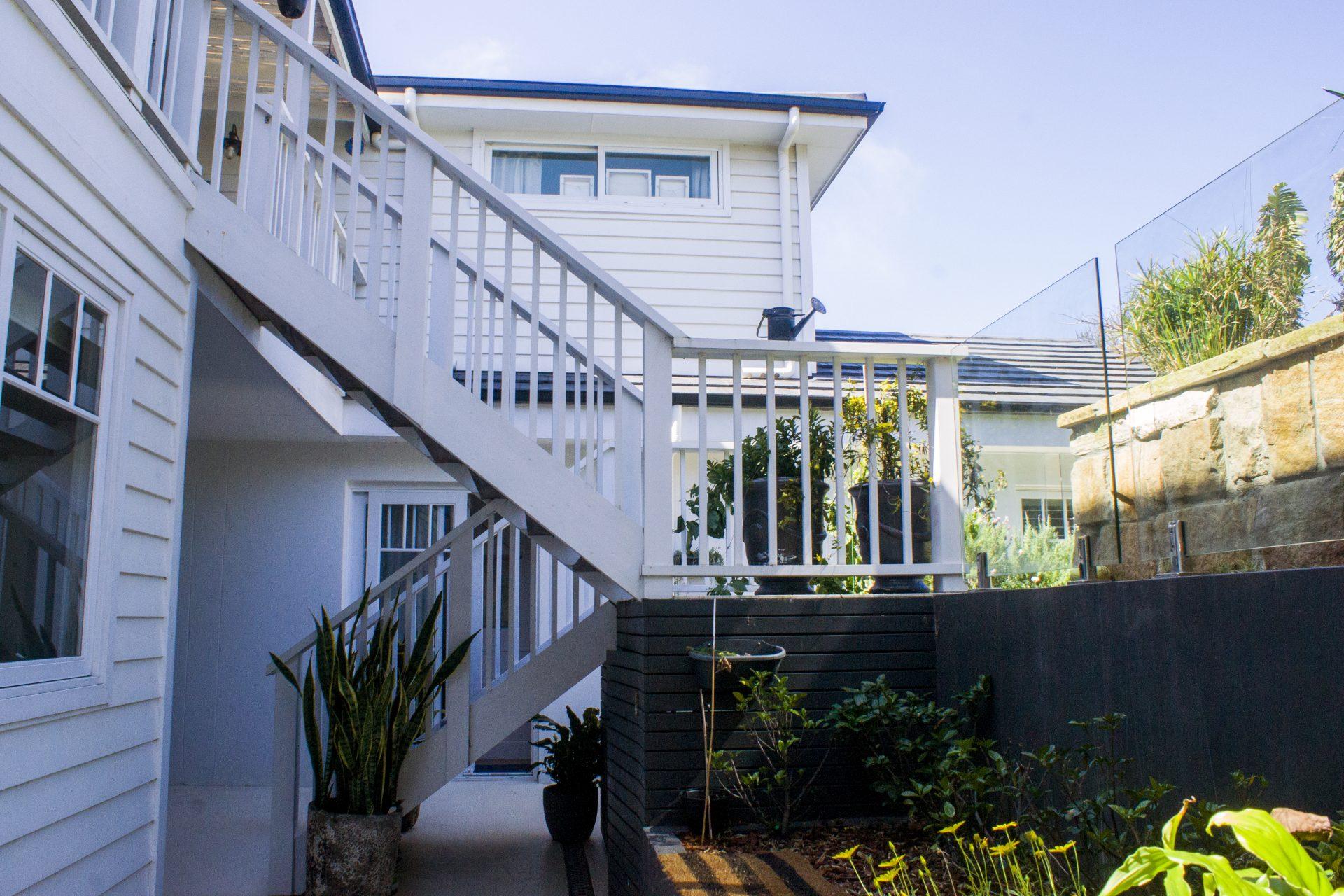 K-Balgo-back stairs
